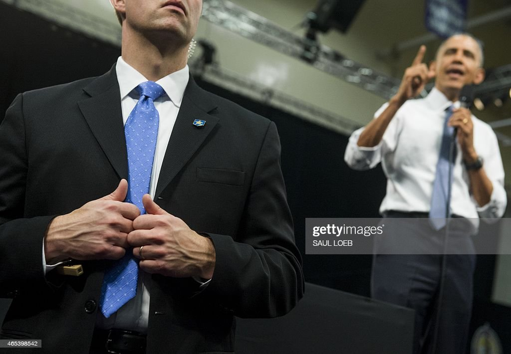 US-POLITICS-OBAMA-TOWN HALL : News Photo