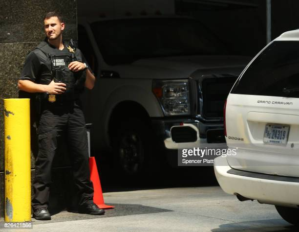 Secret Service agent stands outside of Trump Tower on August 4 2017 in New York City Following a dispute with the Trump Organization over a lease the...