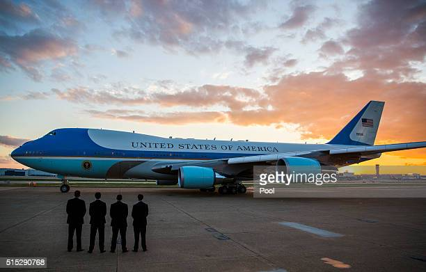 Secret Service agents stand by as Air Force One departs from Dallas Love Field Airport March 12, 2016 in Dallas, Texas. Obama spoke a day after...