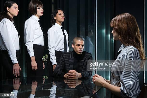 Sekretäre vor dem interview