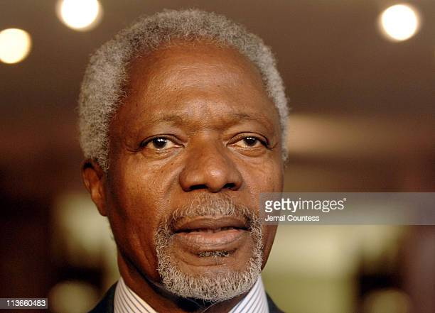 Secretary General Koffi Annon briefs journalist at the United Nations on August 31, 2005. The Secretary General had been on vacation but decided to...