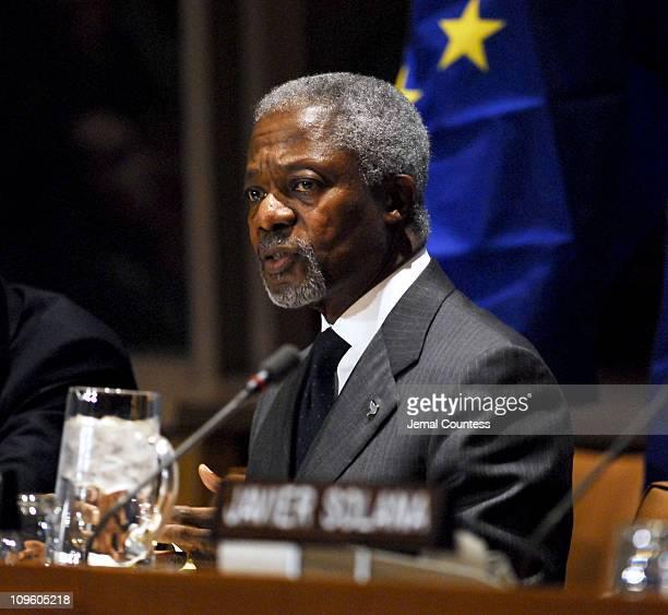 UN Secretary General Kofi Annan addresses the media in regards to proposals for the IsraeliPalestinian Peace Process