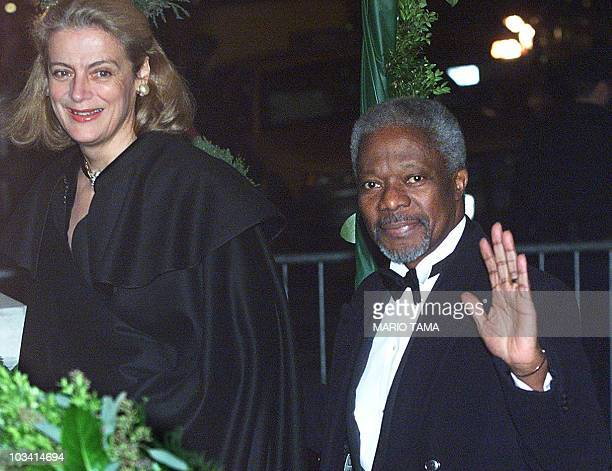 UN Secretary General Kofi Annan and wife Nane enter the Plaza Hotel to attend the wedding of Michael Douglas and Catherine ZetaJones 18 November 2000...