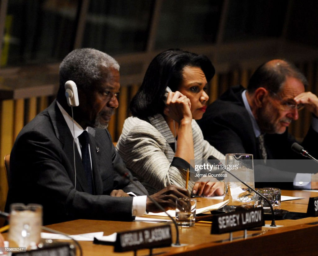 U.N. Secretary General Kofi Annan and the Quartet Principals from the European Union Press Conference : News Photo