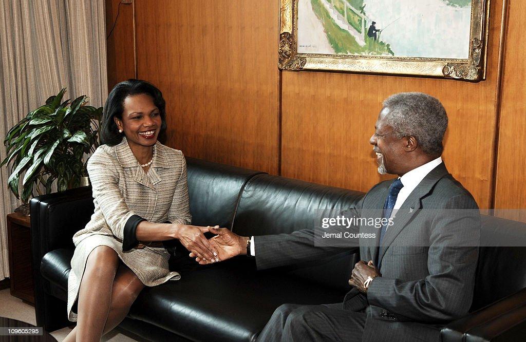 U.N. Secretary General Kofi Annan meets with U.S. Secretary of State, Condoleezza Rice : News Photo