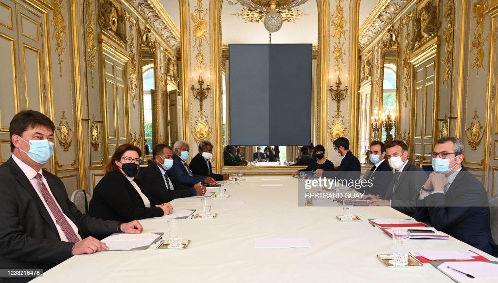FRANCE-OVERSEAS-POLITICS-REFERENDUM : News Photo