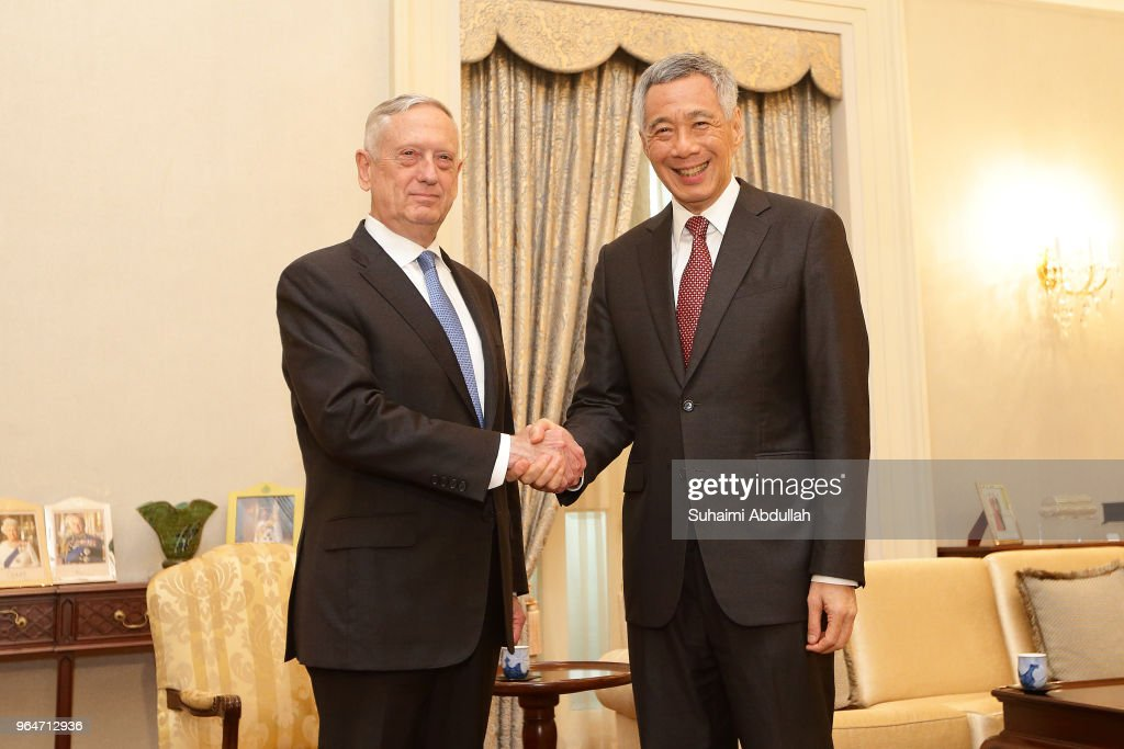 US Secretary of Defence James Mattis (L) meets with Singapore Prime Minister, Lee Hsien Loong at the Istana on June 1, 2018 in Singapore. James Mattis is in Singapore to attend the Shangri-La Dialogue from 1 to 3 June 2018.