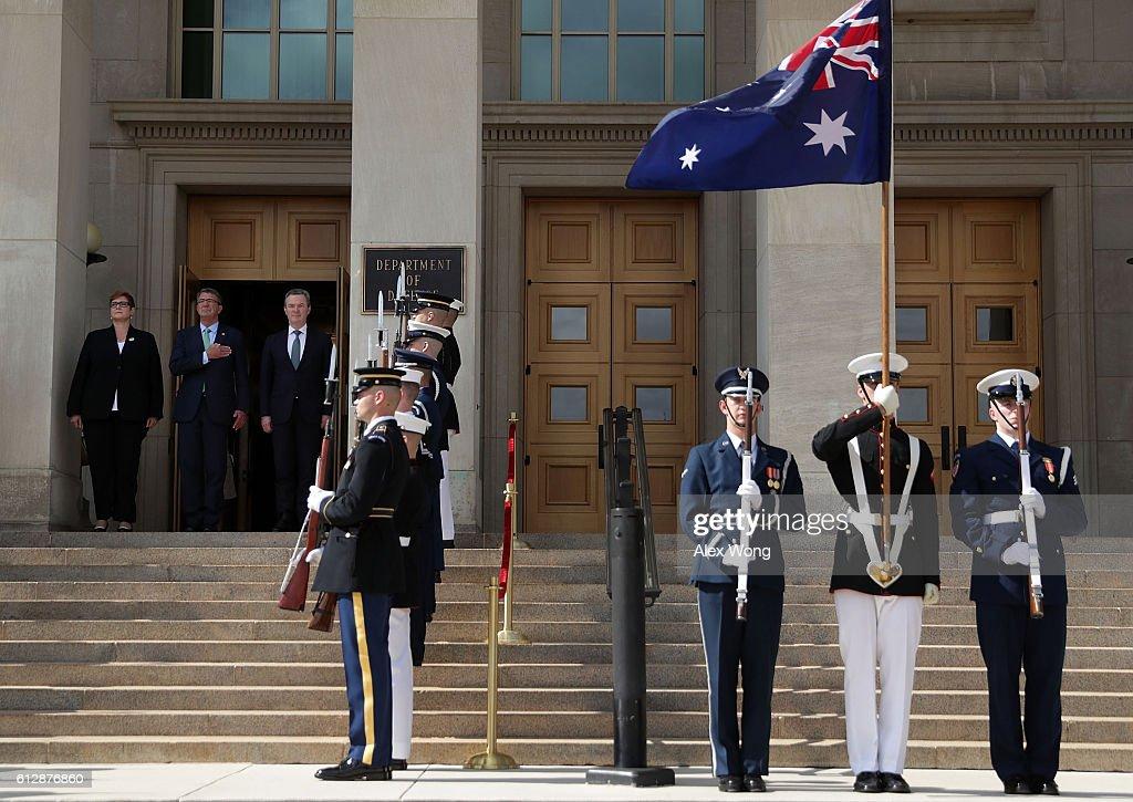 Ash Carter Hosts Australian Defense Minister At The Pentagon