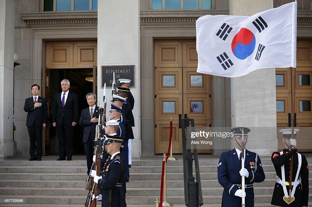 Defense Secretary Hagel Hosts Host Honor Cordon For Korean Defense Minister