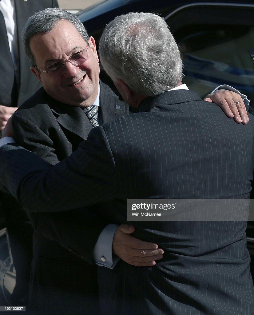 U.S. Secretary of Defense Chuck Hagel (R) greets Israeli Minister of Defense Ehud Barak during an honor cordon arrival ceremony at the Pentagon March 5, 2013 in Arlington, Virginia. Hagel and Barak were scheduled to meet privately at the Pentagon.