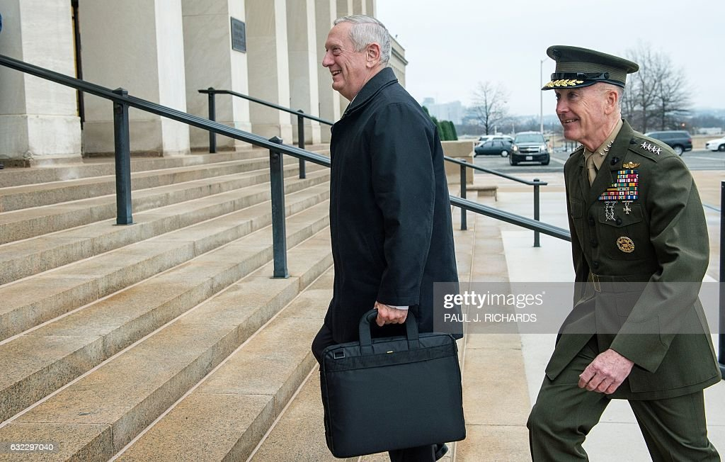 US-DEFENSE-POLITICS-MATTIS : News Photo