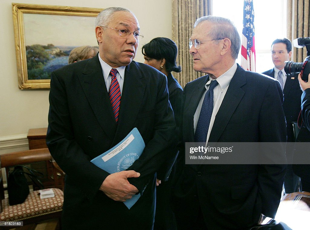 secretary-of-state-colin-powell-speaks-with-us-secretary-of-defense-picture-id51823183