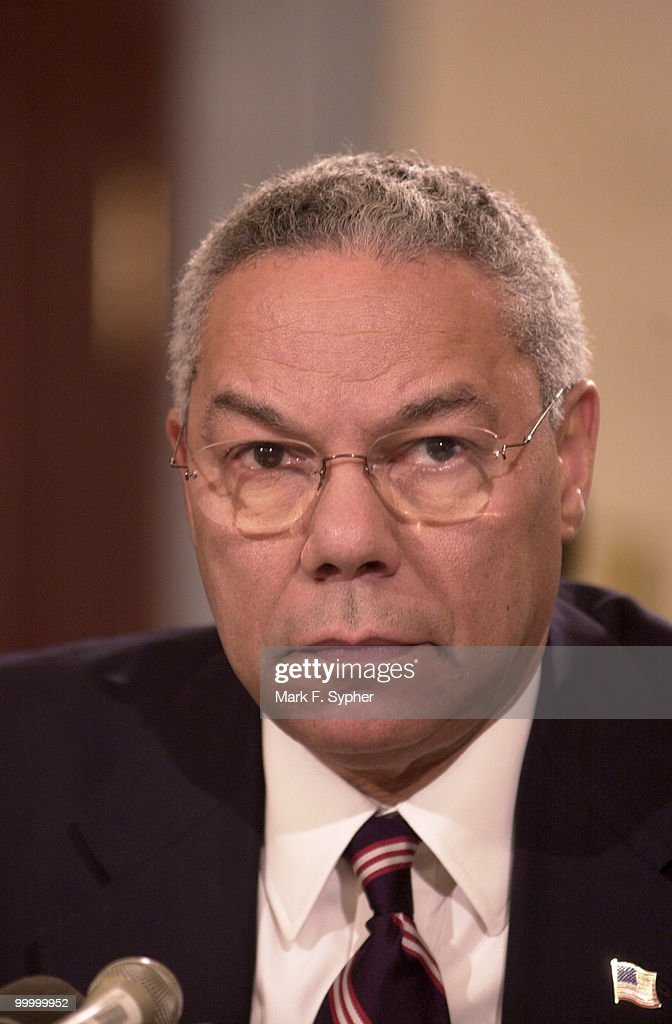 Colin Powell : News Photo
