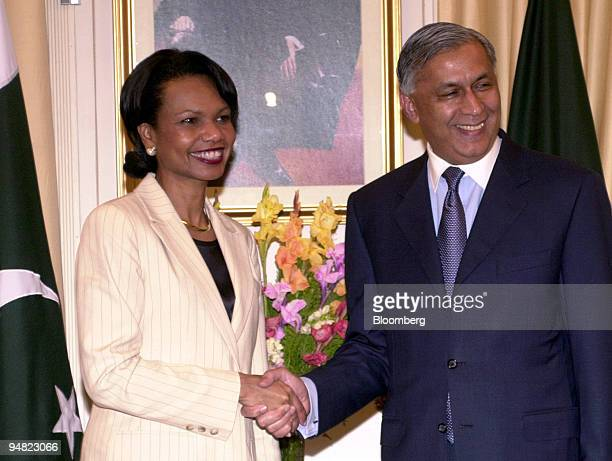 S Secretary of State Condoleezza Rice left meets with Pakistani Prime Minister Shaukat Aziz in Islamabad Pakistan Wednesday March 16 2005 Rice plans...