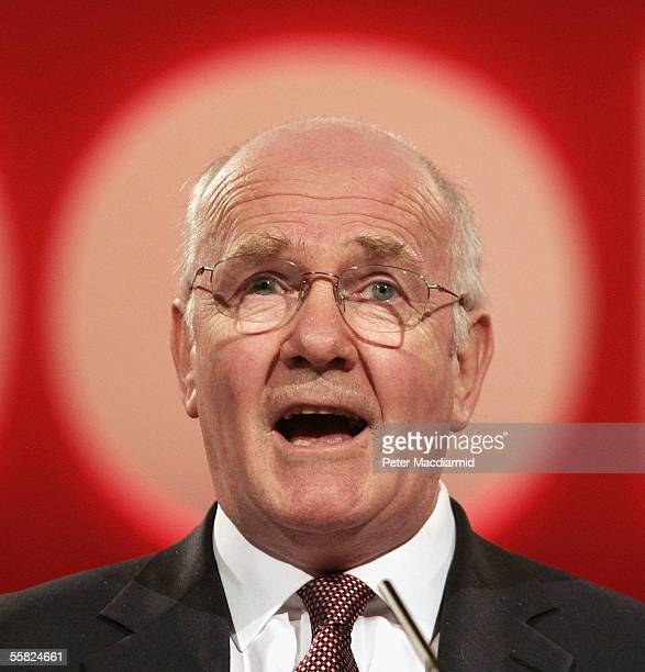 Secretary of State for Defence John Reid speaks at the Labour Party conference on September 29 2005 in Brighton England The six day conference ended...