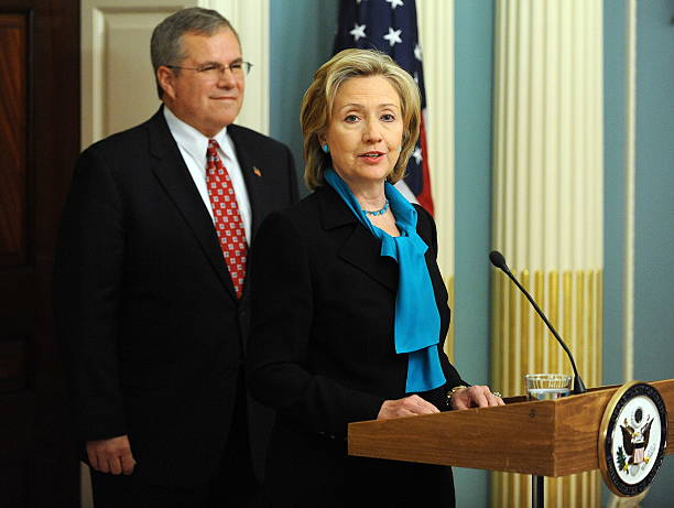 Us Secretary Of State Hillary Clinton De Pictures Getty Images