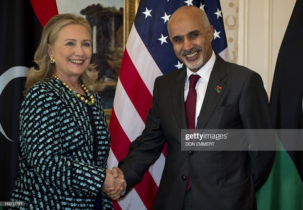 US Secretary of State Hillary Clinton (L) meets with Libyan President Mohamed Magariaf on September 24, 2012 at a hotel in New York.