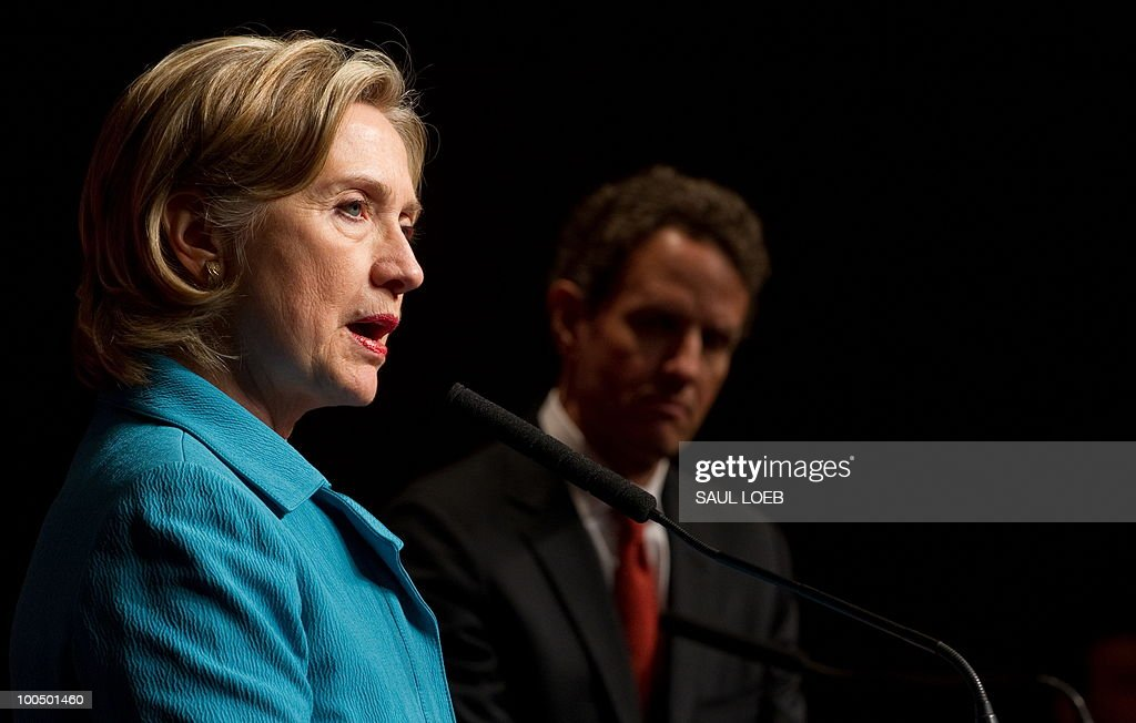 US Secretary of State Hillary Clinton speaks alongside US Secretary of Treasury Timothy Geithner during a press conference following the conclusion of the Second Round of the US-China Strategic & Economic Dialogue in Beijing, May 25, 2010. Clinton said two days of high-level Sino-US talks had been 'very productive' but admitted differences remained, especially on economic and trade issues. AFP PHOTO / POOL / Saul LOEB