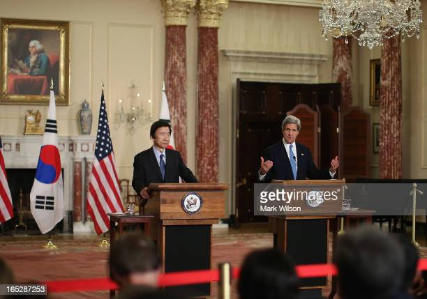 Secretary of State John Kerry and Yun Byung-Se, Minister of Foreign Affairs and Trade of the Republic of Korea speak to the media at the State...