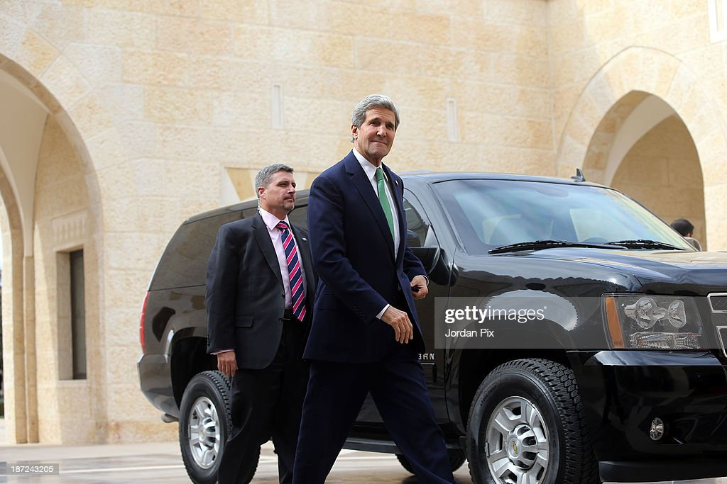 U.S. Secretary of State John Kerry (R) arrives at the royal palace November 7, 2013 in Amman, Jordan. Kerry met with King Abdullah II and Foreign Minister Nasser Judeh in Jordan after previously meeting with Israeli and Palestinian leaders during a trip to the Middle East in an effort to boost Israeli-Palestinian peace talks.