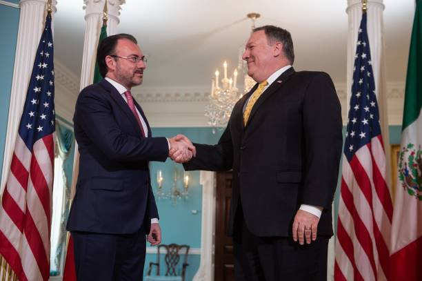 Secretary of state pompeo meets with mexican foreign secretary us secretary of state mike pompeo r and mexican foreign secretary luis videgaray caso m4hsunfo