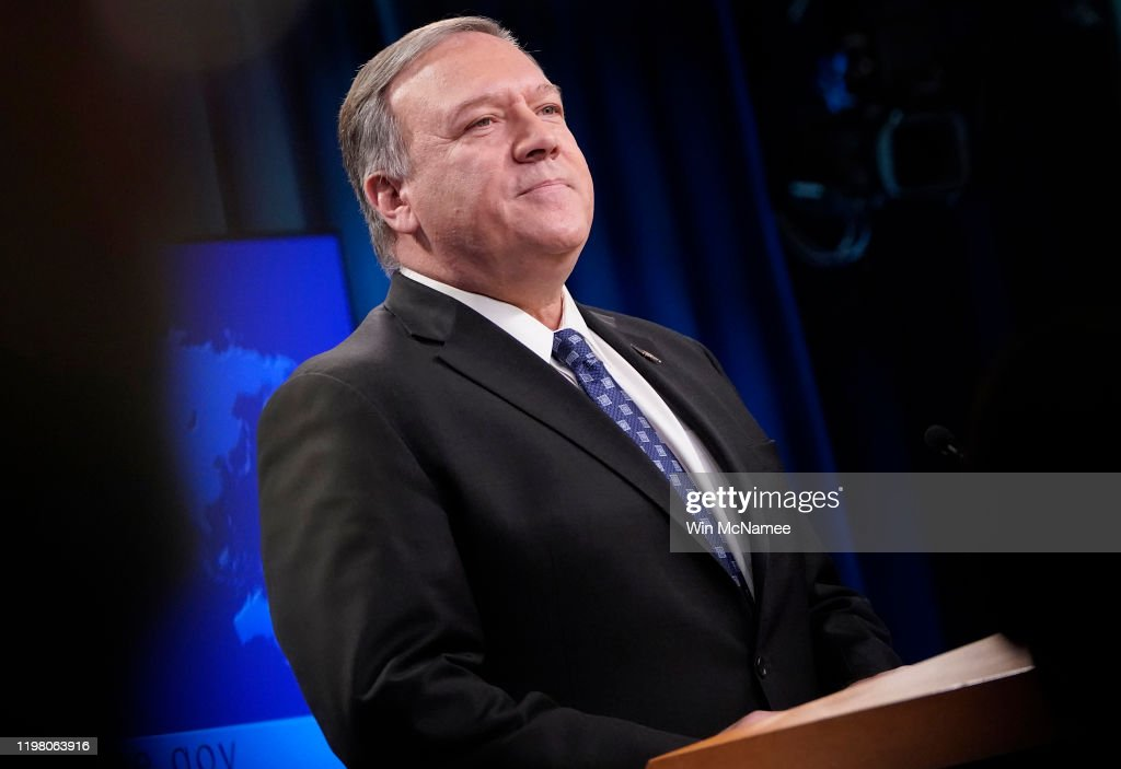 Secretary Of State Mike Pompeo Holds Media Briefing At State Department In Wake Of Strike On Iranian Top General Qasem Soleimani : ニュース写真