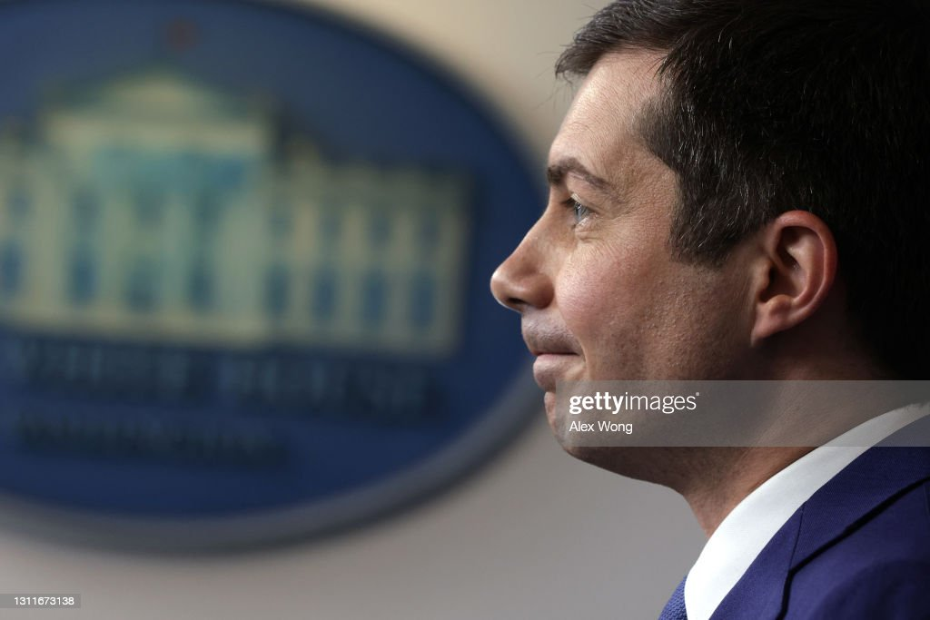 White House Press Secretary Psaki Holds Media Briefing With Transportation Secretary Buttigieg : News Photo