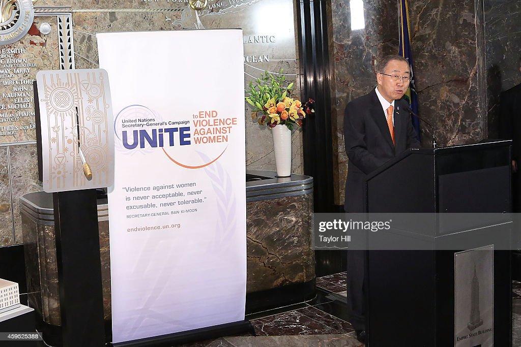 Teri Hatcher, Ban Ki-moon and Phumzile Mlambo-Ngcuka Light The Empire State Building : News Photo