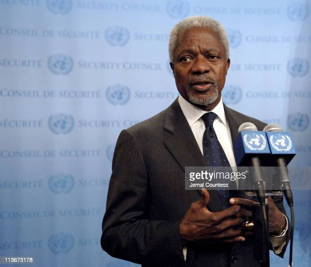 UN SecretaryGeneral Kofi Annan briefs journalists before his departure for Rome to attend the International Conference on Lebanon