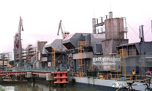 A section of American Enron independent power plant at the shores of Lagos Apapa dockyard 2 August 2000 The US engineering group Enron Corporation on...