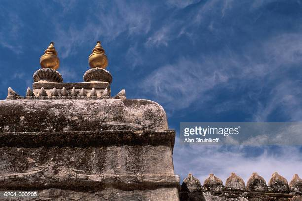 section of udaipur palace wall - sirulnikoff stock pictures, royalty-free photos & images