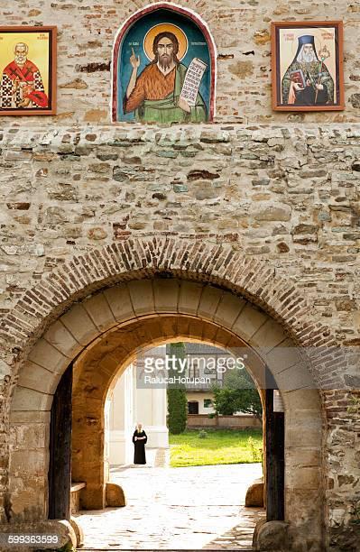 secu monastery - moldavia fotografías e imágenes de stock