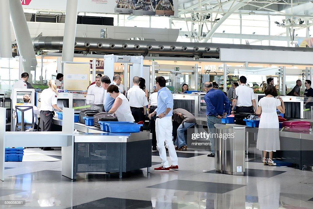 Seguridad en el aeropuerto : Foto de stock