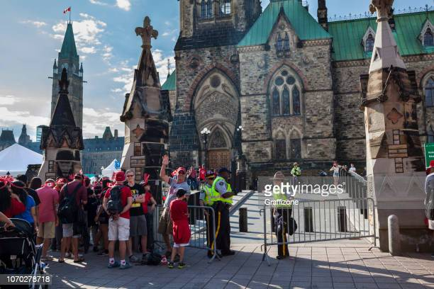 security at the ottawa parlement - canada day stock pictures, royalty-free photos & images