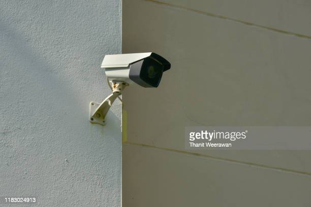 cctv, security camera system on the wall, ip camera on the wall - body camera stock pictures, royalty-free photos & images