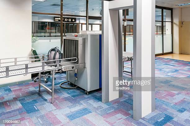 Sicherheitscheck Bei einem Flughafen