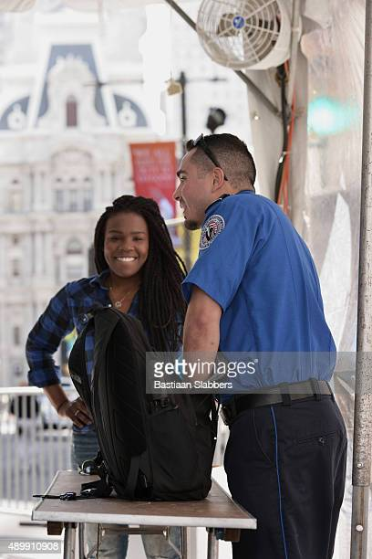 tsa security checkpoint at papal visit, philadelphia, pa - transportation security administration stock pictures, royalty-free photos & images