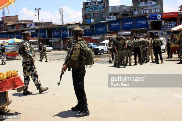 BUS ADDA ANANTNAG JAMMU KASHMIR INDIA Security forces arriving at the site of militant attack on July 02 2017 in Anantnag Suspected militants have...