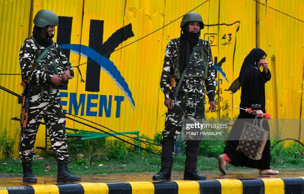 INDIA-PAKISTAN-KASHMIR-UNREST : News Photo