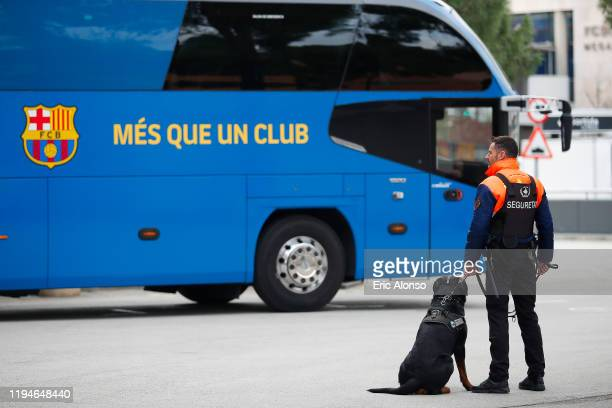 1 812 bus barcelona photos and premium high res pictures getty images https www gettyimages com photos bus barcelona
