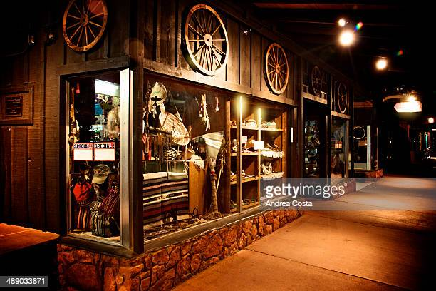 CONTENT] Sedona shop in the night