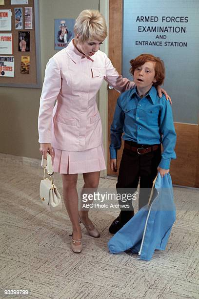 FAMILY 'See Here Private Partridge' 10/16/70 Shirley Jones Danny Bonaduce