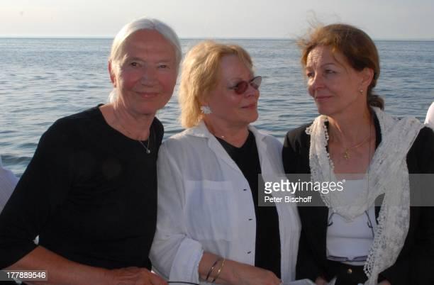 Seebestattung Peer Schmidt vor Insel Amrum Nordsee Seemannsgrab Urne Ehefrau Helga Schlack Loni von Friedl Barbara Bärbel Prey MS Eilun...