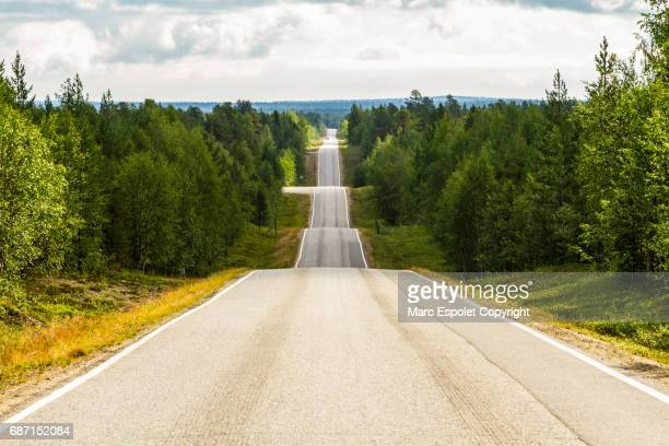 seesaw road in finland - winding road stock pictures, royalty-free photos & images