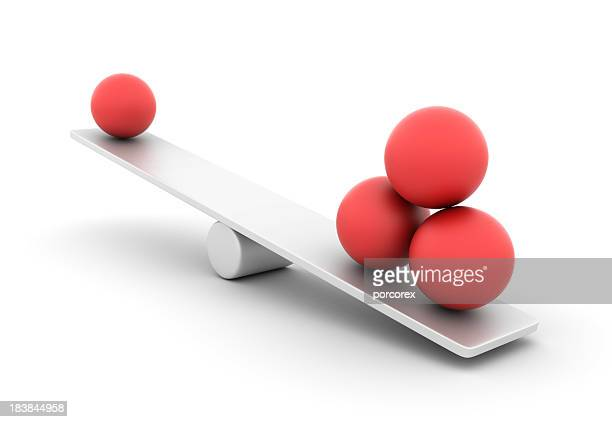 シーソー、球体 - 不均衡 ストックフォトと画像