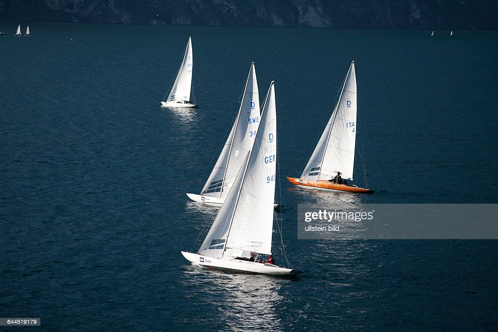 Segelregatta am Gardasee, Südtirol, Italien : News Photo