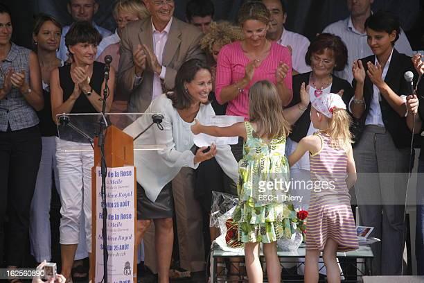 Day Of The Rose In Melle L'accueil affectueux de Ségolène ROYAL aux enfants lors de la Fête de la rose organisée samedi 25 août 2007 dans son fief de...