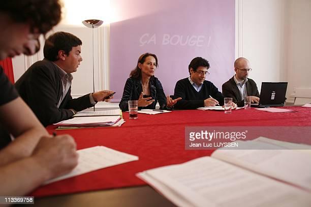 Segolene Royal Reunites The Group Of 20 At Her Headquarters On The Boulevard Raspail In Paris, France On May 17, 2008 - Ciryl Piquemal, Thomas...