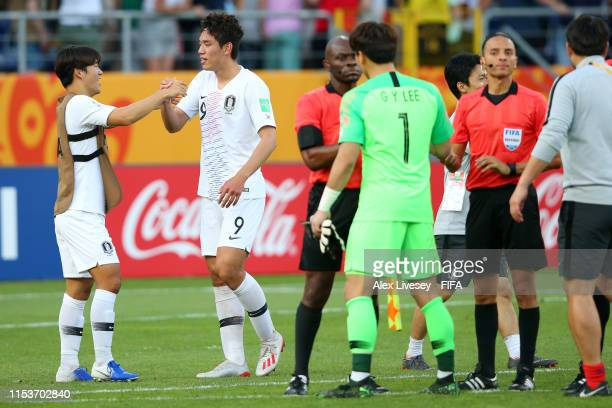 Sehun Oh of Korea Republic celebrates victory with team mates after the 2019 FIFA U20 World Cup Round of 16 match between Japan and Korea Republic at...