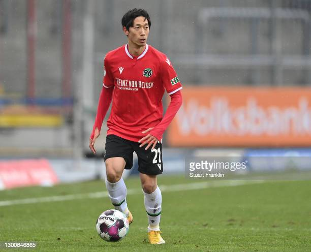Sei Muroya of Hannover in action during the Second Bundesliga match between Eintracht Braunschweig and Hannover 96 at Eintracht-Stadion on February...